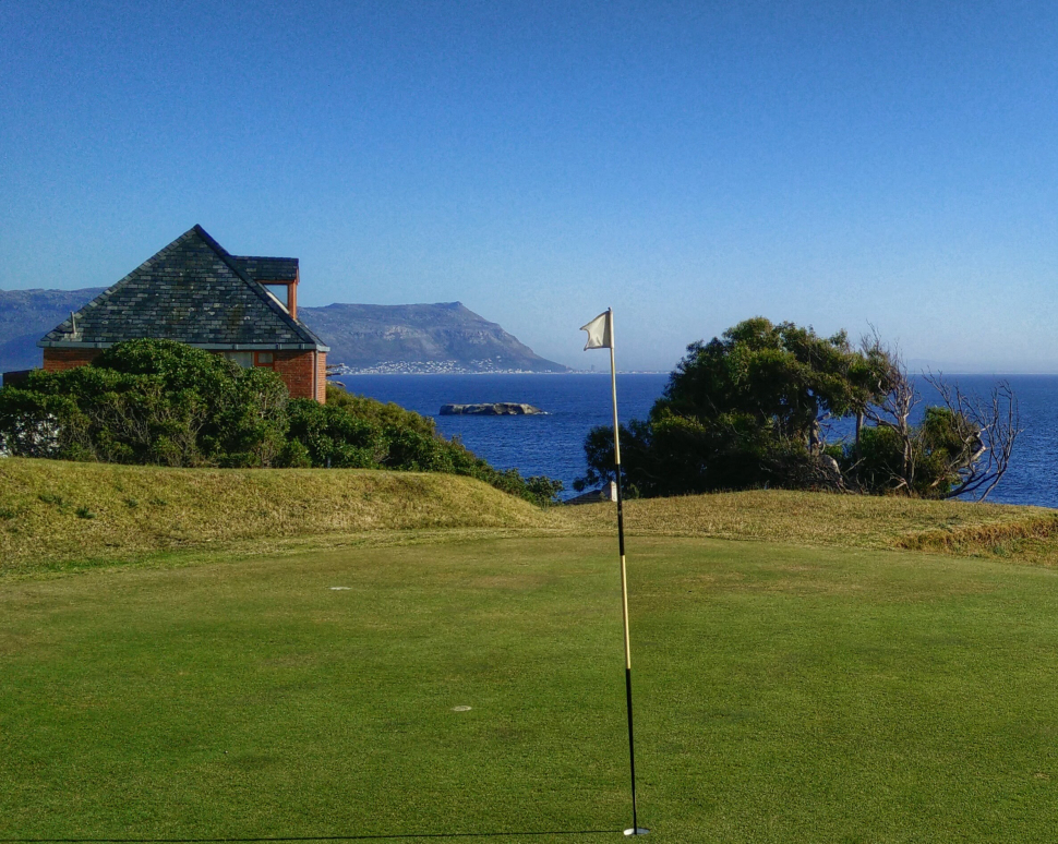 Golfing in Simon's Town things to do. Nice 9 hole links golf course.