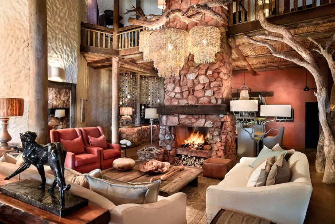 Most-Expensive-Airbnb-In-South-Africa-Tarkuni-Villa-Northern-Cape