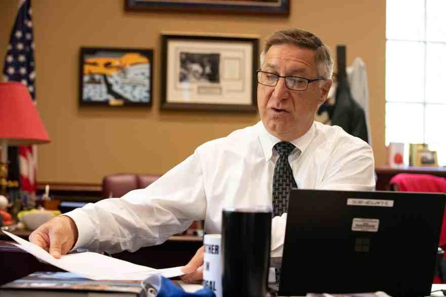 Senate's $47.6 Bil Budget Draws $1.55 Bil From Savings