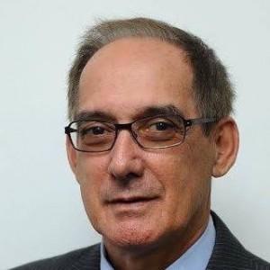 Dr. Julival F. Ribeiro.