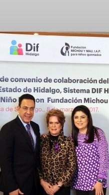 Sistema DIF Hidalgo signaron convenio de colaboración con la fundación Michou y Mau