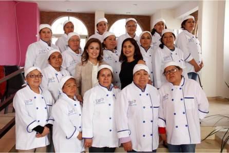 Capacitan a personal de centros asistenciales en manejo higiénico y preparación de alimentos en Mineral de la Reforma4