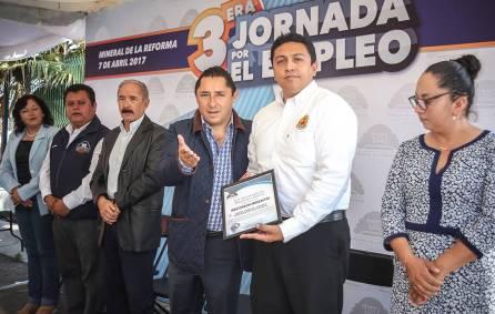 Raúl Camacho Baños promueve empleos formales entre los mineralenses 4