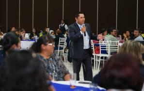 Celebra Raúl Camacho a educadoras de Mineral de la Reforma 1