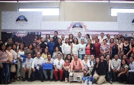 Convive alcalde Raúl Camacho con maestros de Mineral de la Reforma1