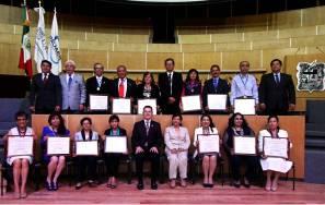Reconoce UAEH trayectoria y otorga 14 jubilaciones a académicos5