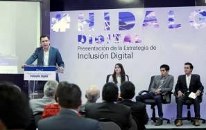 Acerca Omar Fayad tecnología a sectores vulnerables1