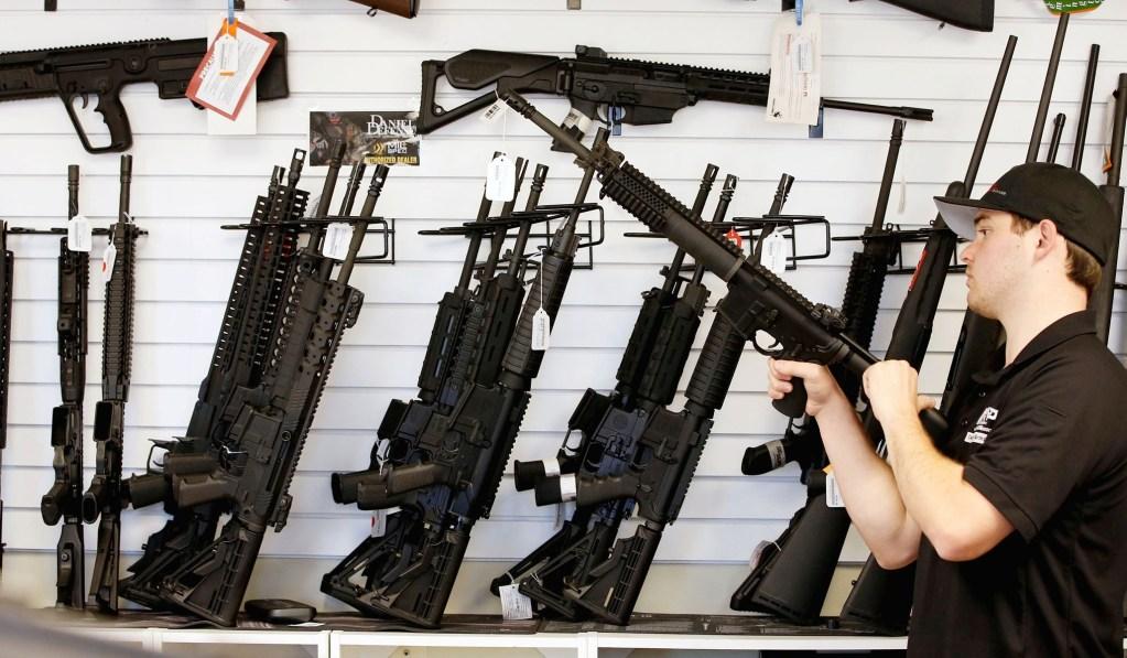 Después de la masacre, Nueva Zelanda prohíbe armas semiautomáticas tipo militar