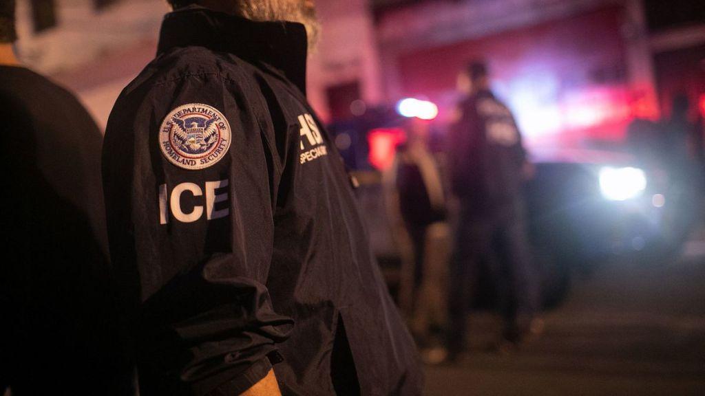 Migrantes indocumentados con miedo por redadas en Estados Unidos