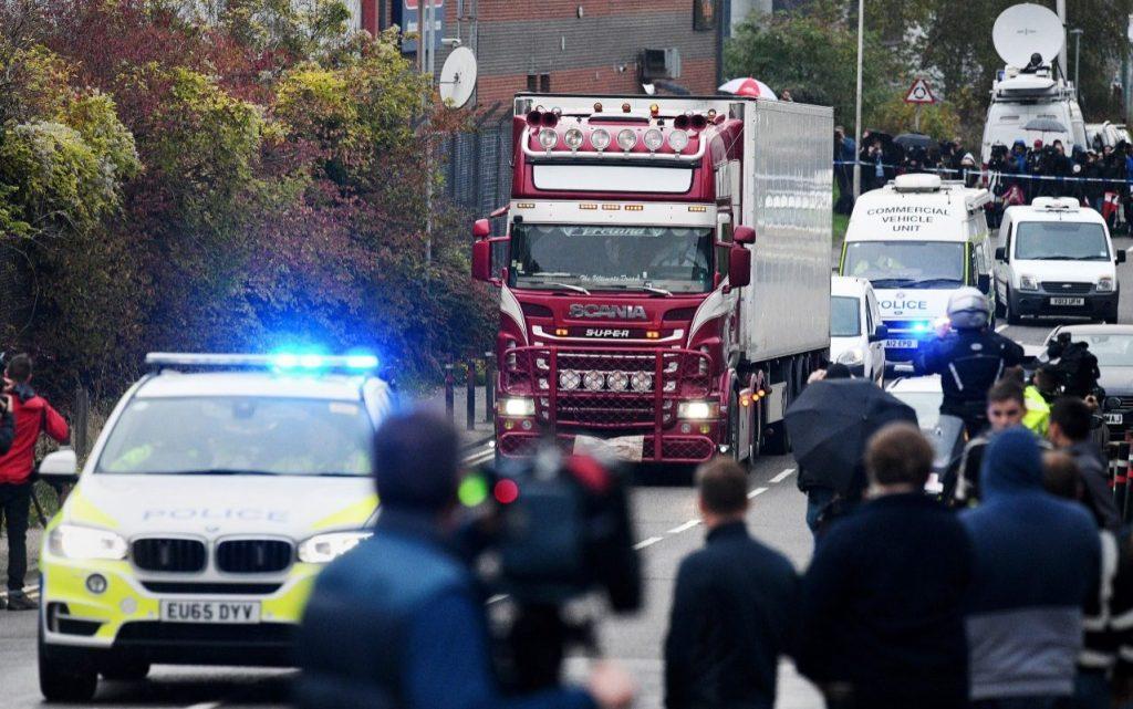 Eran de China las 39 personas encontradas sin vida en un camión en Inglaterra