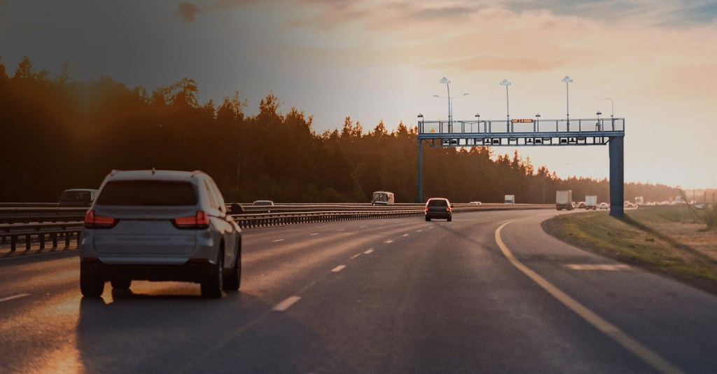 Empresa Española e inversionistas de Singapur compran 70% de operadora de autopistas en México