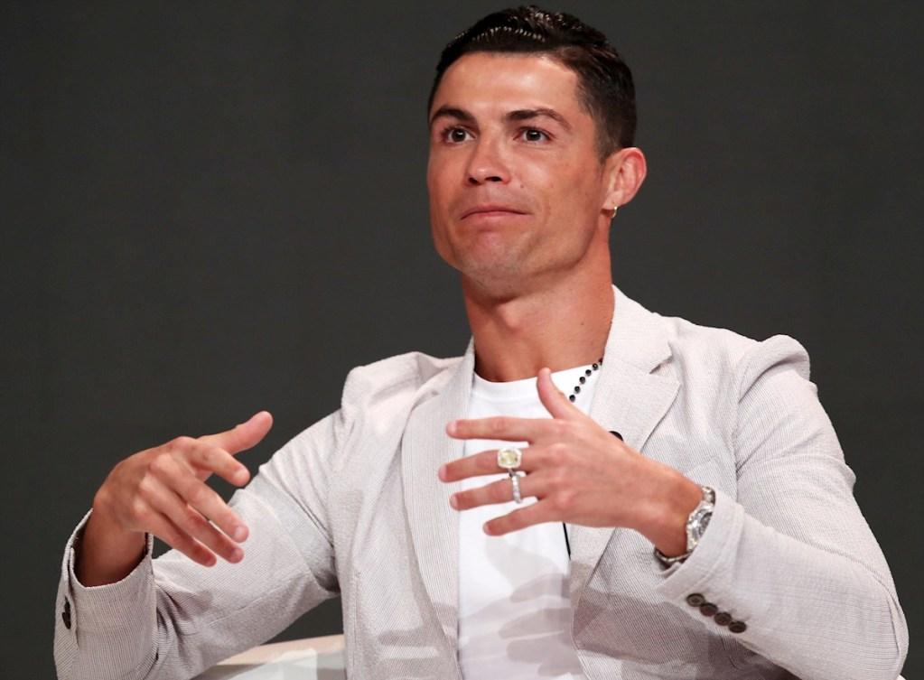 Un millón de dolares por mensaje en Instagram gana Cristiano Ronaldo en redes sociales