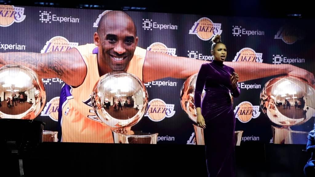 Rinden homenaje a Kobe Bryant en el Juego de Estrellas de la NBA que ganó el Team LeBron