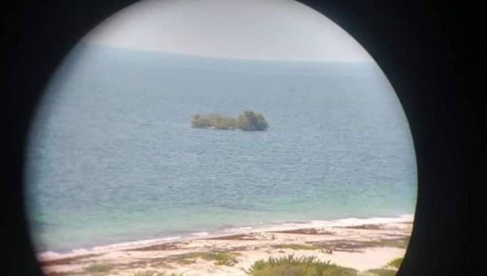 Misterioso islote flotante aparece frente a Isla Mujeres, aquí te decimos qué es