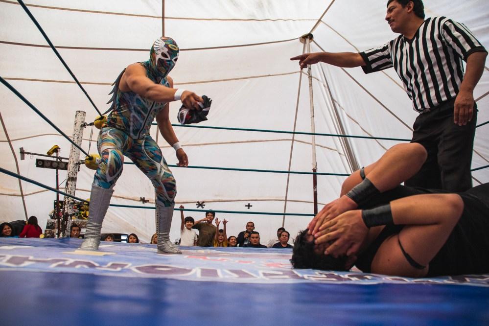 Con rudos y técnicos, la lucha libre superará la crisis que enfrenta