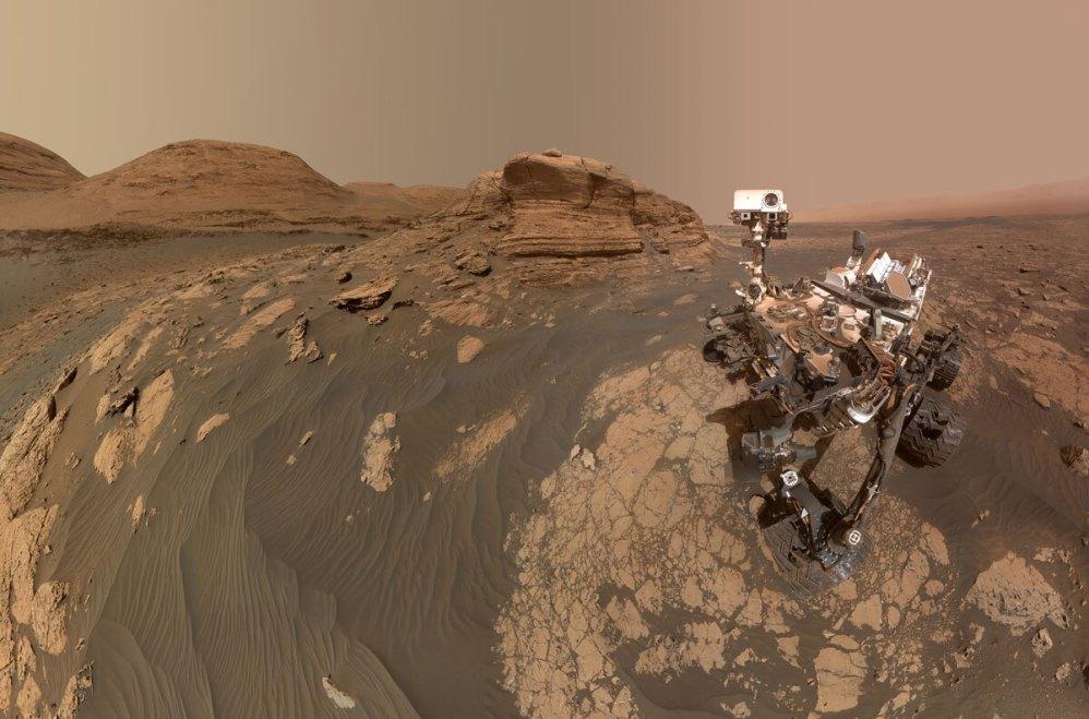 La NASA nombra montaña de Marte en honor al astrobiólogo mexicano Rafael Navarro
