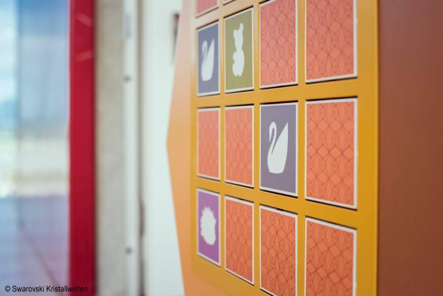 •Spielwand Swarovski Kristallwelten,Erlebniswelten, Kindererlebniswelten, Markenerlebniswelten, Spielturm, Wattens, memory, Fugurinen, Agentur Ravensburger