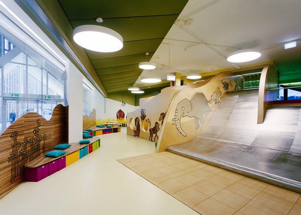 Westside Kinderland, Shopping Center, Bern, Erlebniswelten, Kindererlebniswelten, Markenerlebniswelten, Kinderspielbereiche, Spielecke für Handel und Shoppingcenter, Eingangsbereich, Agentur Ravensburger