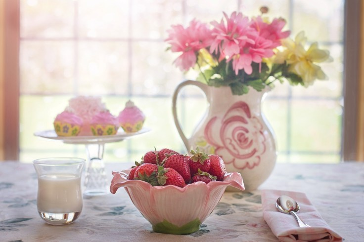 strawberries-in-bowl-783351_1920