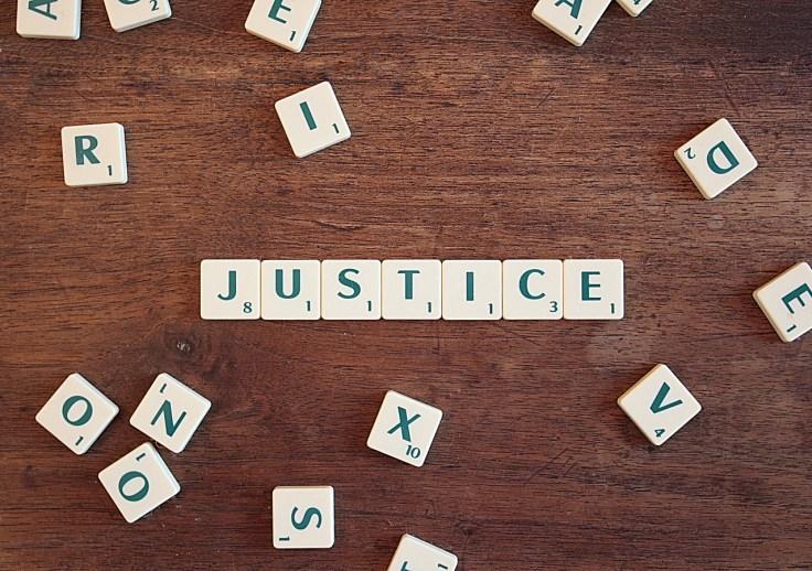 justice-2755765_1280