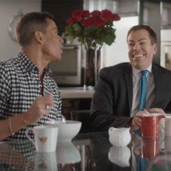 酷新聞:「家樂氏」玉米片挺同志 新廣告請男同情侶分享吃法