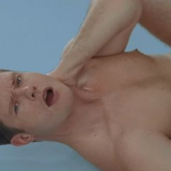 酷影音:澳洲歌手MV超大胆  同志性爱SM喝尿拳交样样来