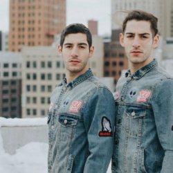 酷影像:同志模特兒雙胞胎 分享超麻辣Grindr訊息