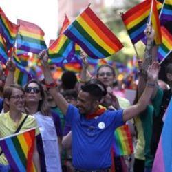 酷新闻:全美第一! LGBT历史教科书走入加州校园