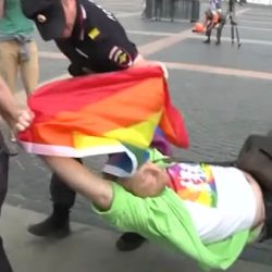 酷新闻:彩虹不灭!俄罗斯同运人士不惧恐同法律 示威遭逮捕