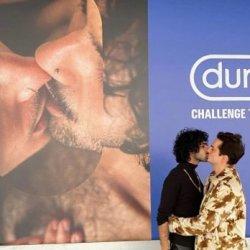 酷新闻:知名保险套广告 同志情侣放闪 网友羡慕