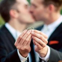 酷新闻:美国同志婚姻通过5年 粉红经济增长惊人