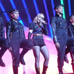 酷新聞:瑪丹娜挺同志  遭俄羅斯罰巨款
