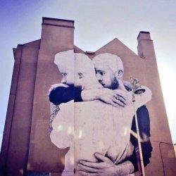 酷影像:爱尔兰艺术家 用巨幅同性爱挺同性婚姻