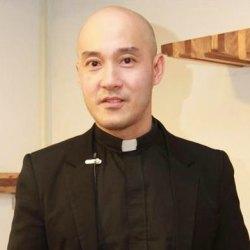 酷人物:出柜的同性恋牧师 欧阳文风