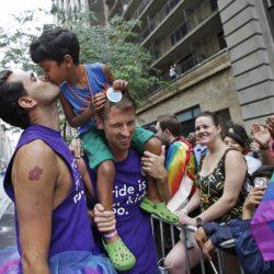 酷新聞:哥倫比亞法院判決 同性伴侶將可以領養小孩