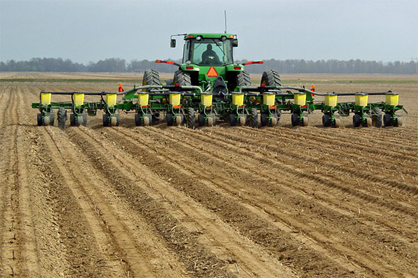 Planting Soybean Corn Planter Choices What S Right For You Dtn