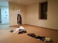 Η εγκατάσταση του έργου Figlia d'ANGELO στην έκθεση όπως παρεμεινε μετά την performance  The installation of the artwork Figlio d'ANGELO in the exhibition as has remained after the performance