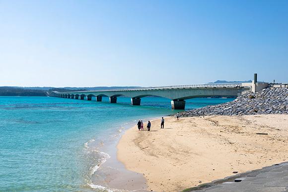 古宇利大橋の下の砂浜