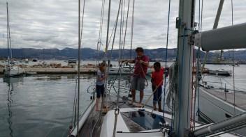 Soledad crew preparing the deck