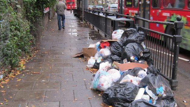 https://i0.wp.com/agileapplications.co.uk/wp-content/uploads/2018/08/fly-tipping-illegal-rubbish-dump-flickr-Alan-Stanton-e1533206200539.jpg?resize=628%2C353&ssl=1