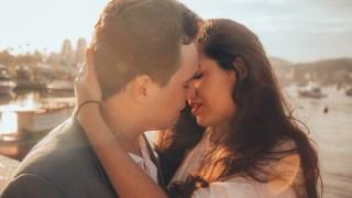 一見鍾情還是日久生情?沒有心動就不能稱作是愛情?