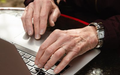 The New York Times – Seniors Seeking Vaccines Have a Problem: They Can't Use the Internet