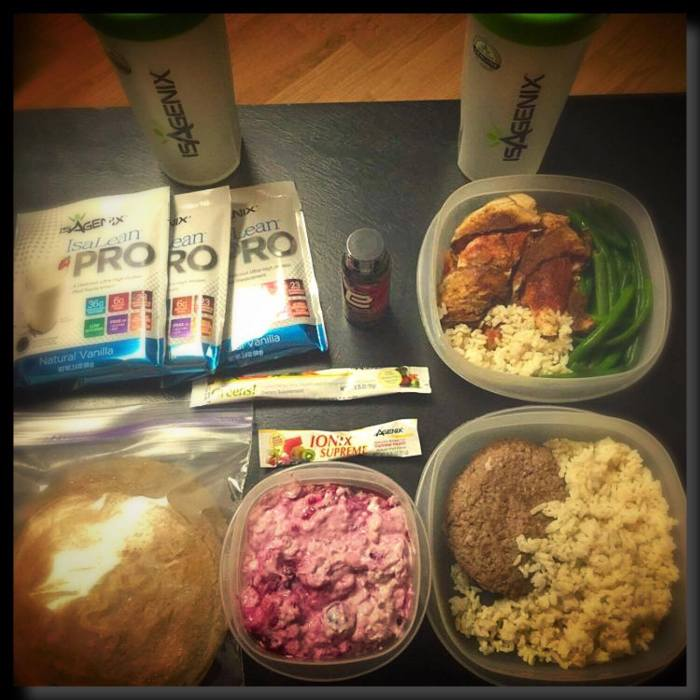 The dude's lunch box essentials. Pre-prepped and packed meals, protein packets, water, greens and Ionix Supreme.