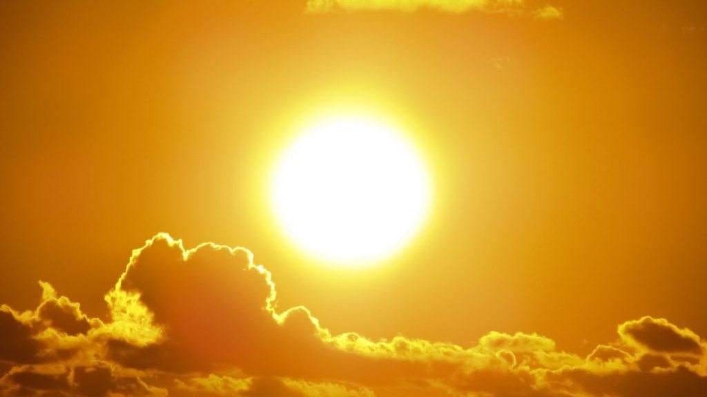 Όταν δυναμώνει η παγωνιά, τότε οι άνθρωποι θυμούνται τον Ήλιο ~ Άγιος Νικόλαος Βελιμίροβιτς