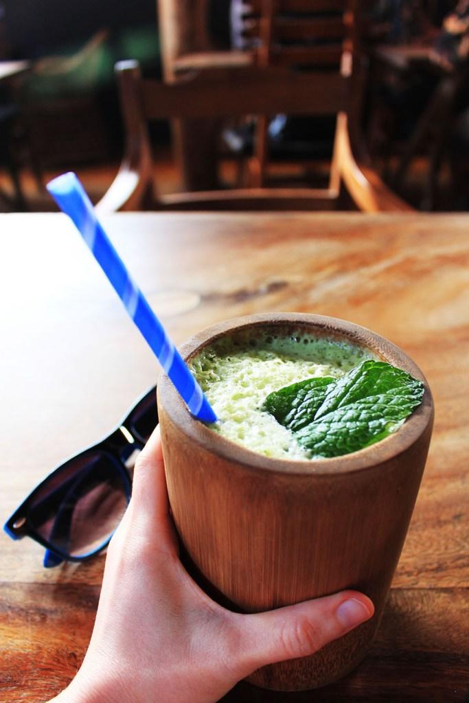 fresh juice in cafe chill ella sri lanka