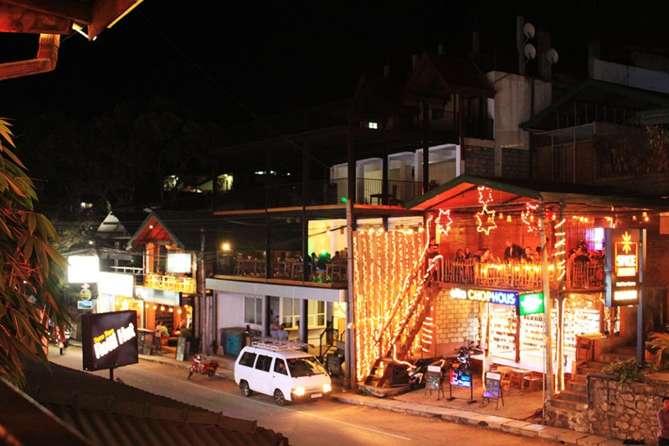 night live with cool bars in ella sri lanka
