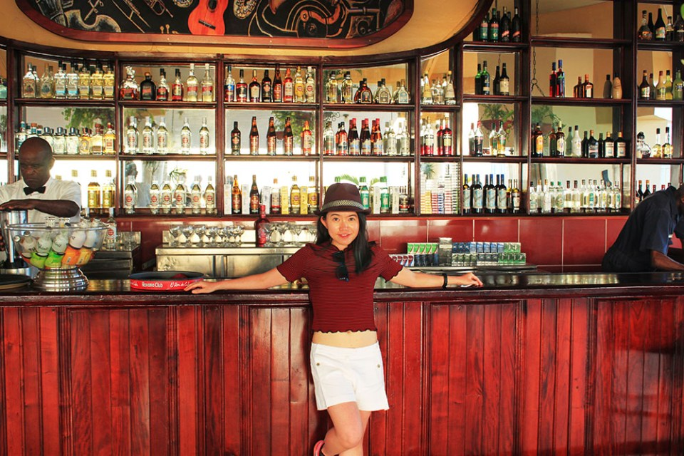 a female traveller in Cuban bars