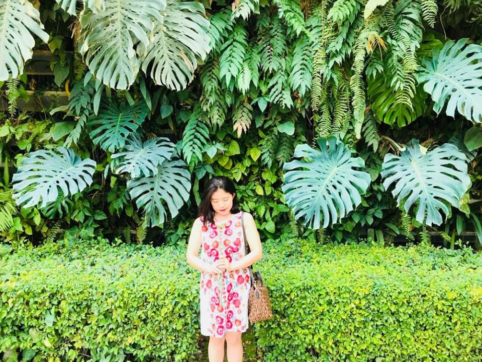 la vie en rose a girl in zara kids floral dress
