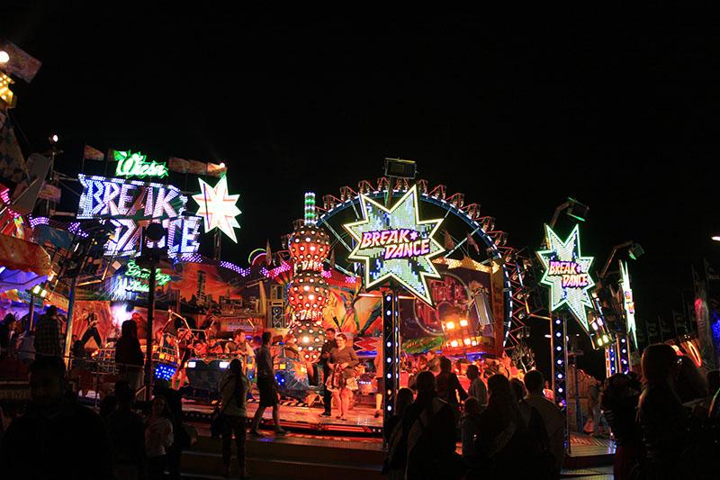 luna park night attraction thrill oktoberfest munich germany