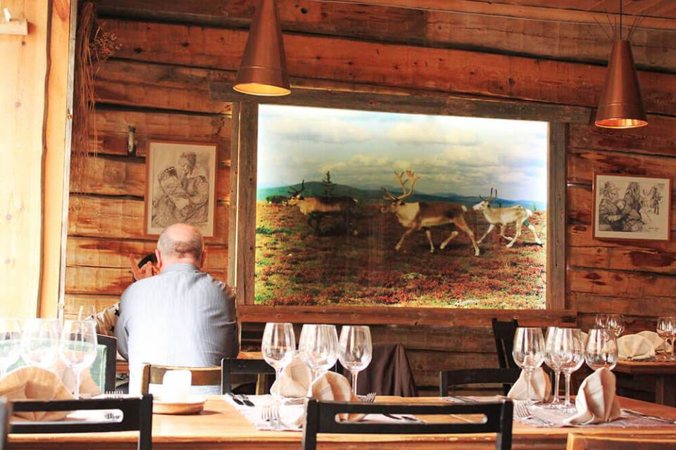 agirlnamedclara lappi ravintola restaurant christmas hygge reindeer meat finland helsinki wood interior